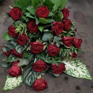 Sig Farvel Med Røde Roser